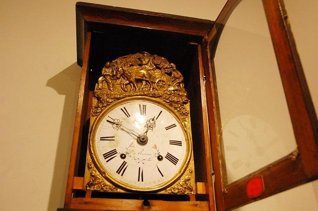 グリットの大きな柱時計